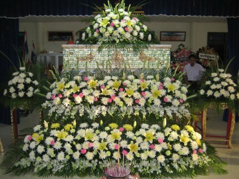 จัดดอกไม้หน้าศพแบบสวน12 Suriya Coffin