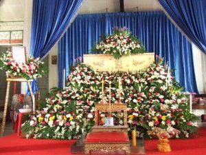 จัดดอกไม้หน้าศพแบบสวน06 Suriya Coffin
