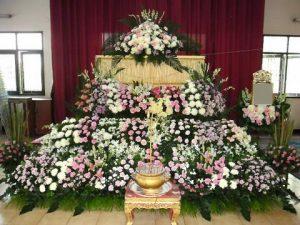 จัดดอกไม้หน้าศพแบบสวน03 Suriya Coffin