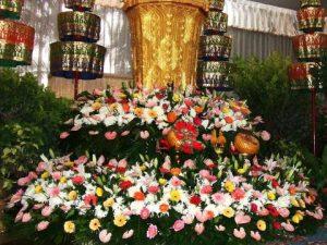 จัดดอกไม้หน้าศพแบบสวน08 Suriya Coffin