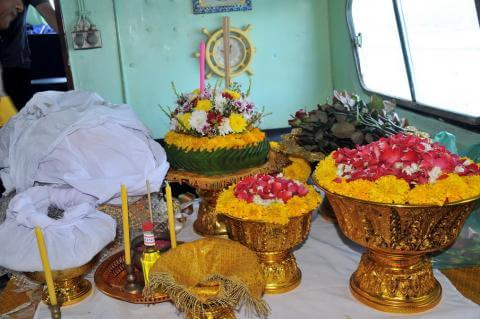 ชุดอุปกรณ์ลอยอังคาร Suriya Coffin